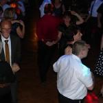 Volle Tanzfläche auf einem Ball