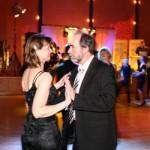 Auf einem Ball mit genügend Platz zum Tanzen