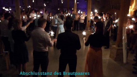 Abschlusstanz des Brautpaares mit dem Hochzeits-Musik-Duo Cara